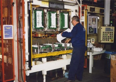 Glueing machine-Teksid (Italy)